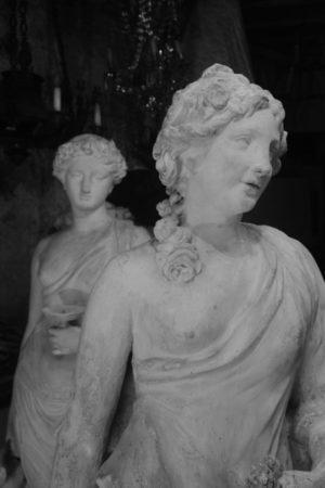 Laura Morel Conservation Restauration de sculptures : bois, plâtre, pierre, plastique, Auvergne Rhône Alpes, Jura, PACA, Bourgogne